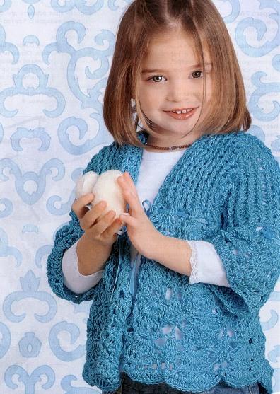 Бирюзовый жакет для девочки связан