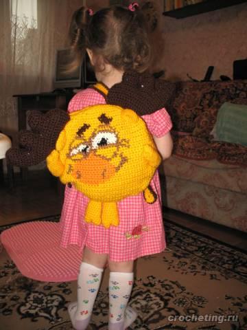 Рюкзак с персонажем Смешариков.  Рюкзак Лосяш связан крючком, застежка...
