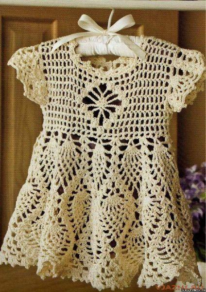Вязаное ажурное платье для