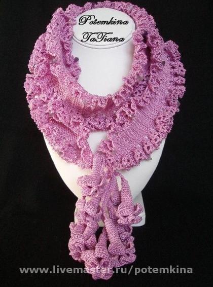 Вот такие цветочные шарфы.