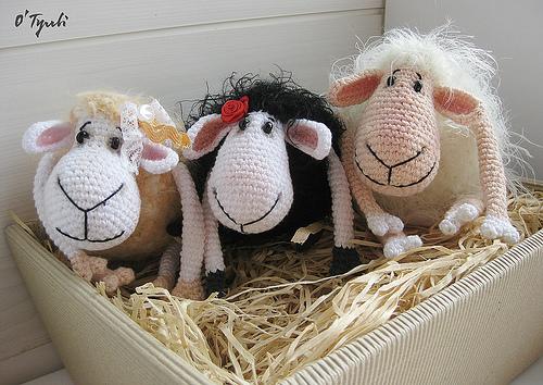 Вяжем симпатичную овечку или козу