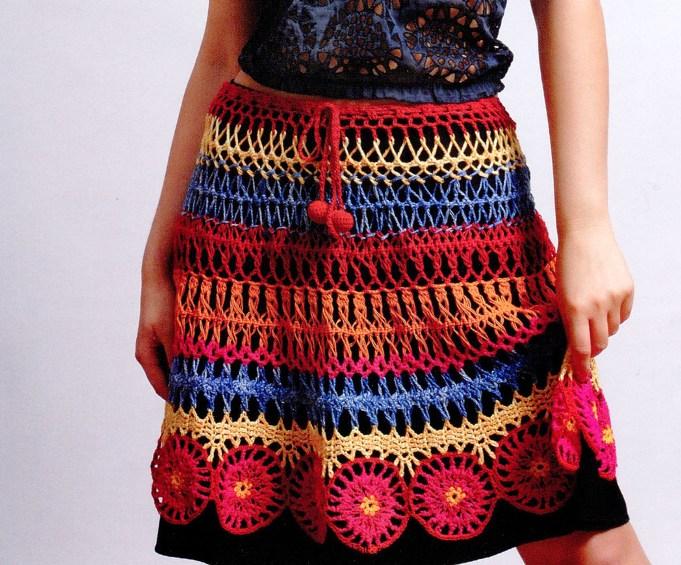 Яркая вязаная юбка из разноцветных