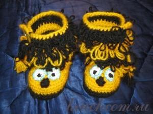 вязаные пинетки пчелки