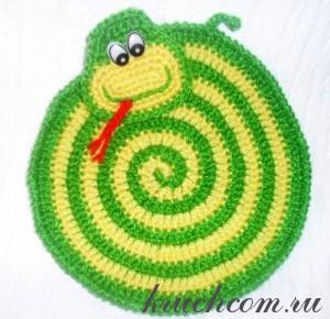 вязаная прихватка змейка