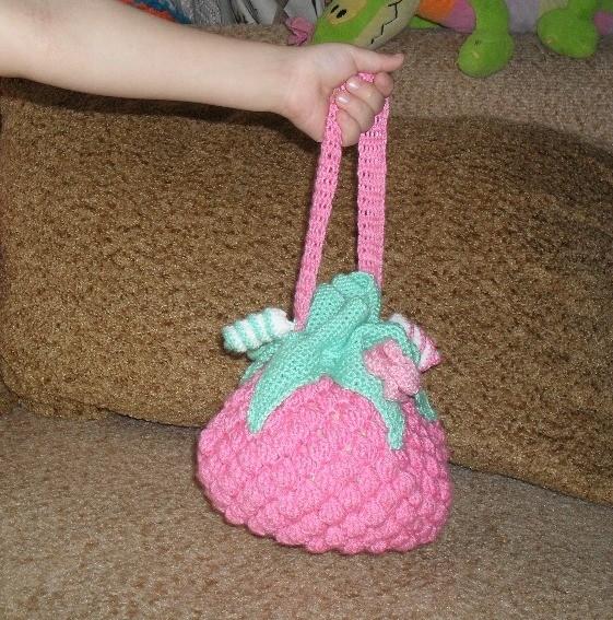 сумочка малинка крючком