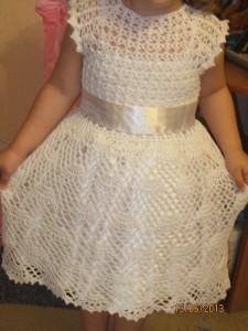 вязаное платье нарядное для девочки