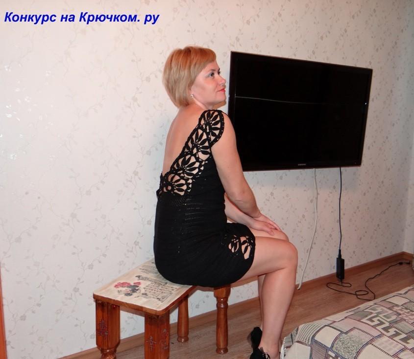 вязаное платье с кружевными
