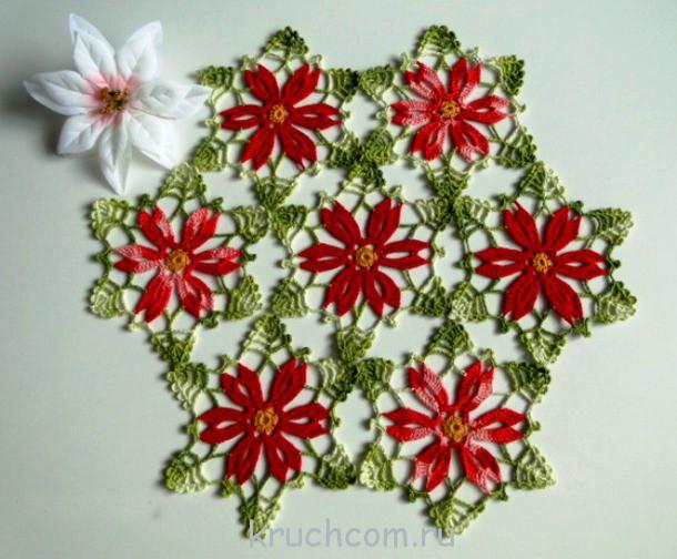Яркая салфетка из цветочных
