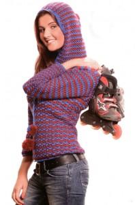 пуловер с капюшоном крючком