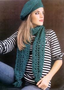 вязаный берет и шарф крючком