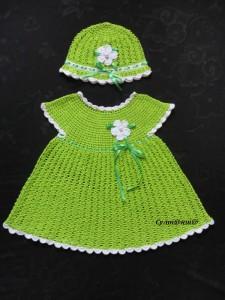 вязаное платье и панамка