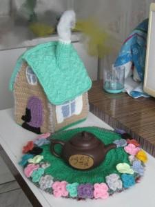 домик-грелка для чайника