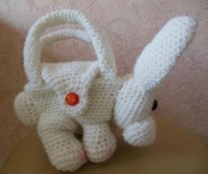 вязаная сумка зайка