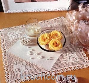 вязаная салфетка с розами