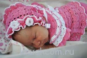 вязаный комплект крючком для новорожденной девочки